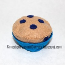 Felt Blueberry Muffin and Liner Tutorial
