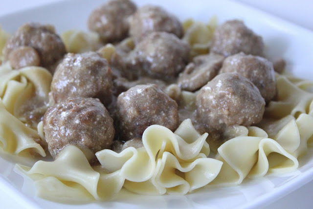 Crock Pot Swedish Meatballs (Only 3 Ingredients) January 15, by Amy Arndt 10 Comments These Crock Pot Swedish Meatballs are super yummy as either an appetizer or as a main part of a meal.