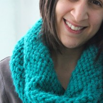 Knit Cowl of the Chunky Variety {A Tutorial}