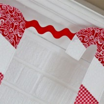 Candy Cane Bunting {Tutorial}