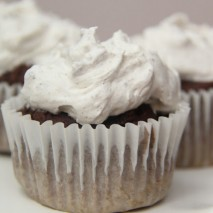 2 Ingredient Low-Fat Cupcakes
