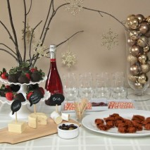 'Hello 2013!' New Year's Eve Party plus Giveaway!