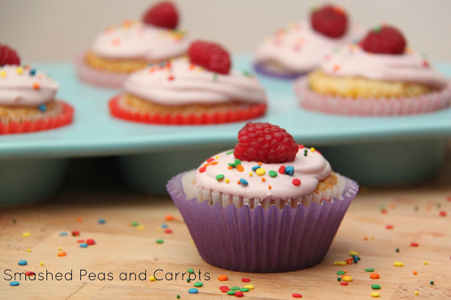 Recipe Raspberry Creme Filled Cupcakes And A Pillsbury