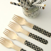 TUTORIAL: Stamped Wooden Utensils with the Silhouette Machine and September Deals!