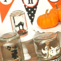TUTORIAL: Spooky Snow Globes