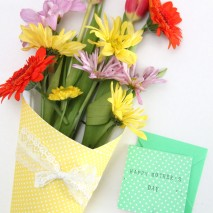 Easy Scrapbook Paper Wrapped Flower Bouquets