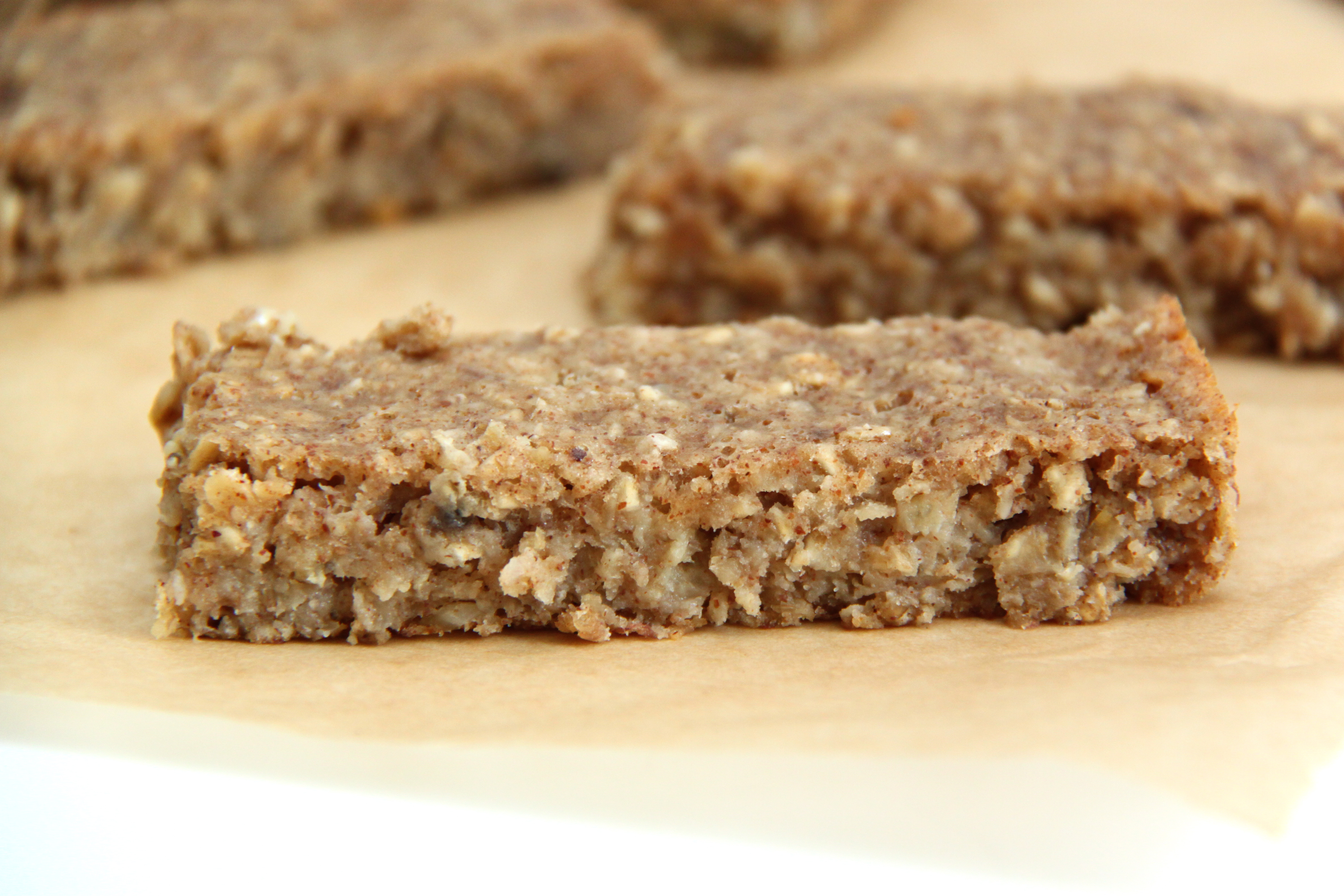 Free Soft & Chewy Almond Butter Granola Bar Recipe PLUS a Gluten Free ...