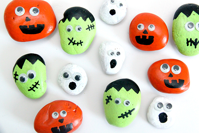Spooky Tic Tac Toe Game With Halloween Painted Rocks Smashed Peas Carrots