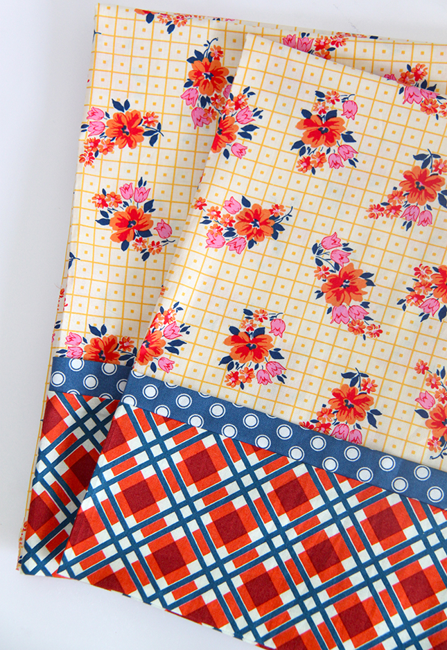 French Seam Pillowcase Set in Under 30 Minutes-Tutorial - Smashed Peas \u0026 Carrots