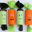 Halloween Party Poppers! What a cute idea for halloween party favors! #DIY4Halloween