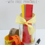 Great idea for Thanksgiving or to do during the month of November. Thankful Jar with FREE Printables for making a thankful paper chain.
