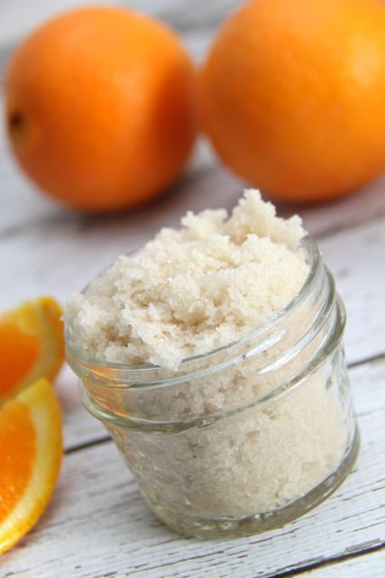 DIY Orange Creamsicle Sugar Scrub with FREE printable label // Smashed Peas and Carrots