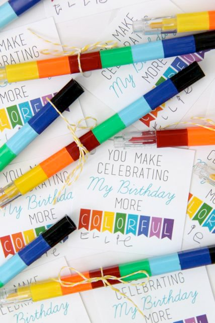 Colorful Crayon Birthday Tag with FREE Printable. This is such a cute idea! // Smashed Peas and Carrots