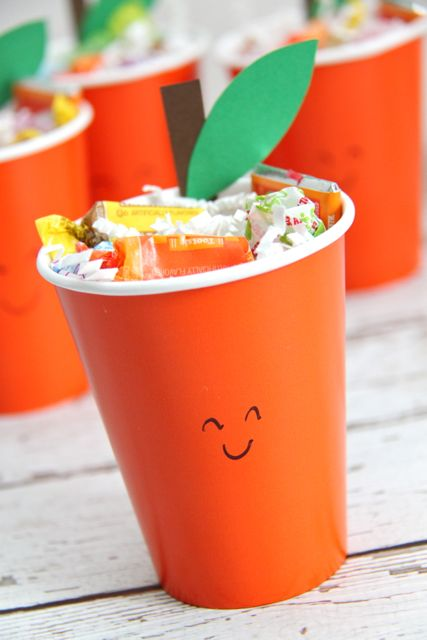 Orange You Glad It's Summer Treat Cups. These are too cute for words! // Smashed Peas and Carrots