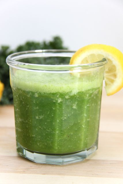 Easy and Quick Energizing Green Smoothie