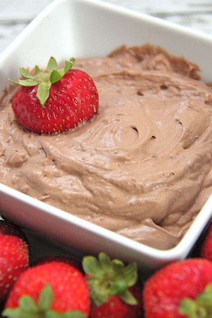 Fluffy Chocolate Fruit Dip Recipe // SmashedPeasandCarrots.com