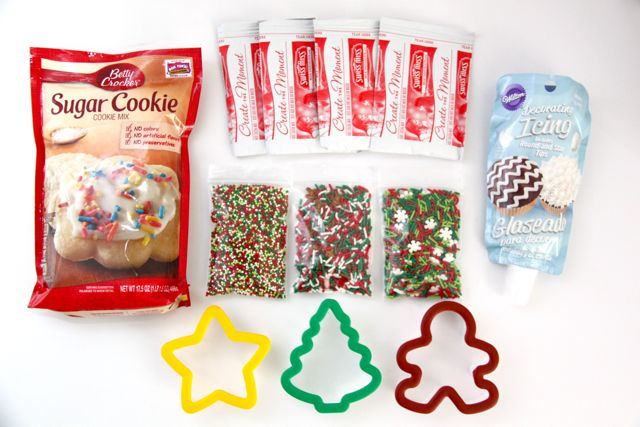 Adorable Christmas Cookie Gift idea! // SmashedPeasandCarrots.com