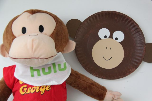 Curious George Inspired Paper Plate Monkey Craft & Curious George Inspired Paper Plate Monkey Craft - Smashed Peas ...