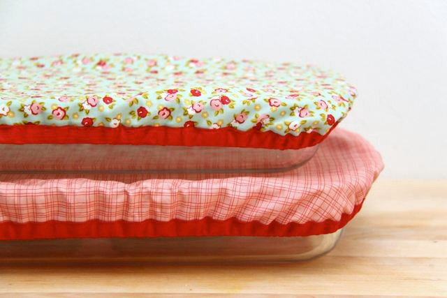 DIY Reusable and Washable Baking Dish Covers // SmashedPeasandCarrots.com