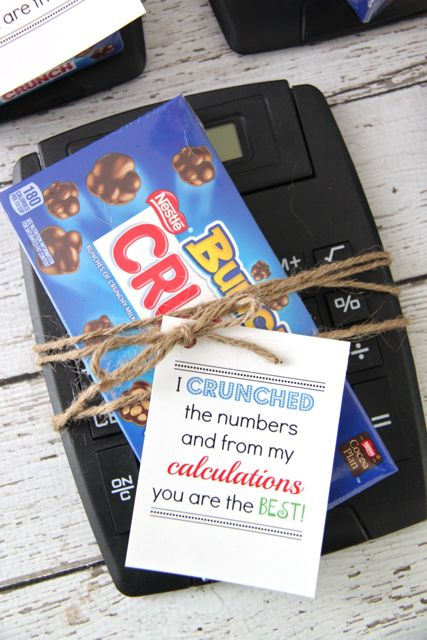 Adorable Teacher Gift Idea: 'I Crunched The Numbers' with FREE Printable // SmashedPeasandCarrots.com