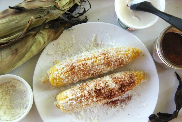 Recipe: How to Make Elote (Mexican Street Corn) // SmashedPeasandCarrots.com