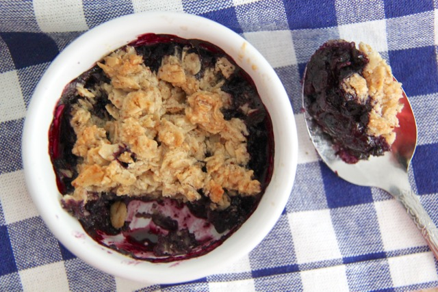 Paleo Gluten and Dairy Free Blueberry Crumble Recipe // SmashedPeasandCarrots.com