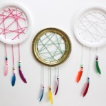 Easy Paper Plate Dream Catcher Tutorial // SmashedPeasandCarrots.com
