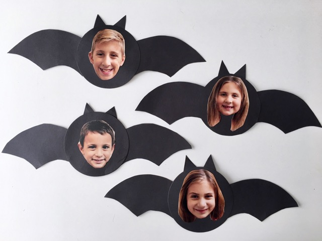 http://smashedpeasandcarrots.com/wp-content/uploads/2017/10/Spooky-Bat-Photo-Craft7.jpg